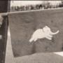 A szerencsehozó elefánt a hires Targa Florio versenyen, valószínű itt pont csapat-információt hordozott